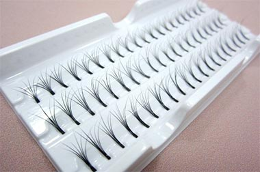 Selection of cluster or party lashes